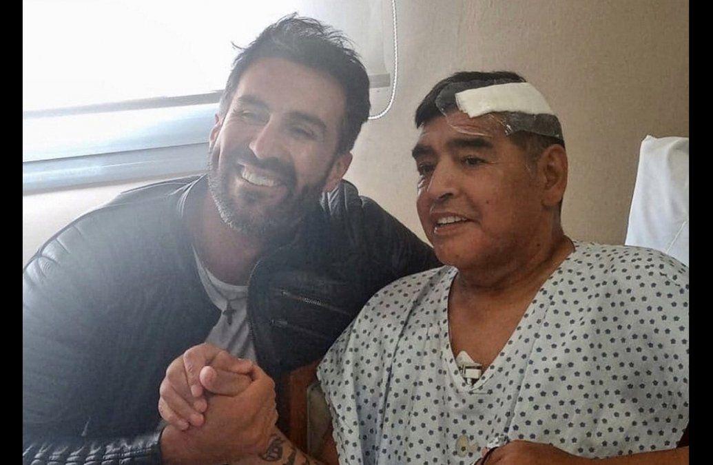 La primera foto de Maradona tras la intervención quirúrgica