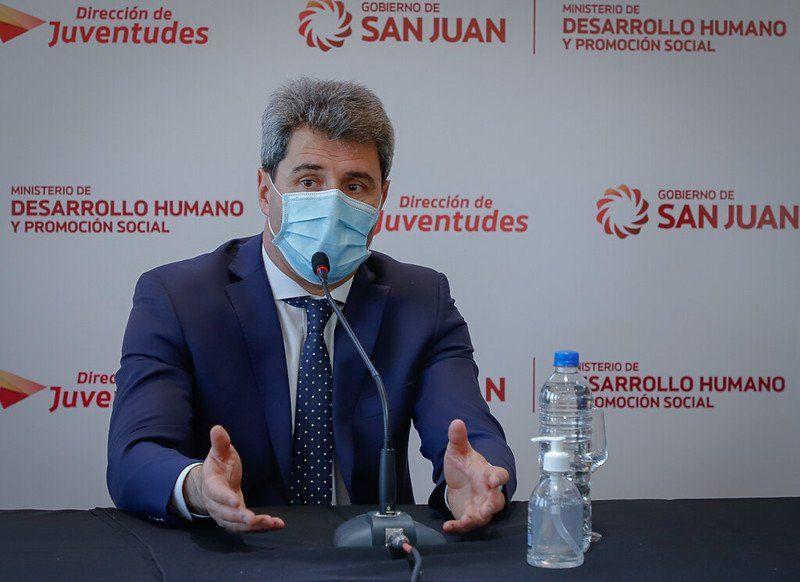 El gobernador Sergio Uñac se encuentra sin fiebre y estable