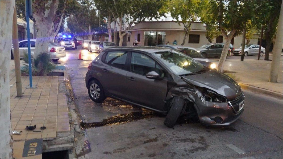 Un choque provocó complicaciones en el tránsito en pleno centro