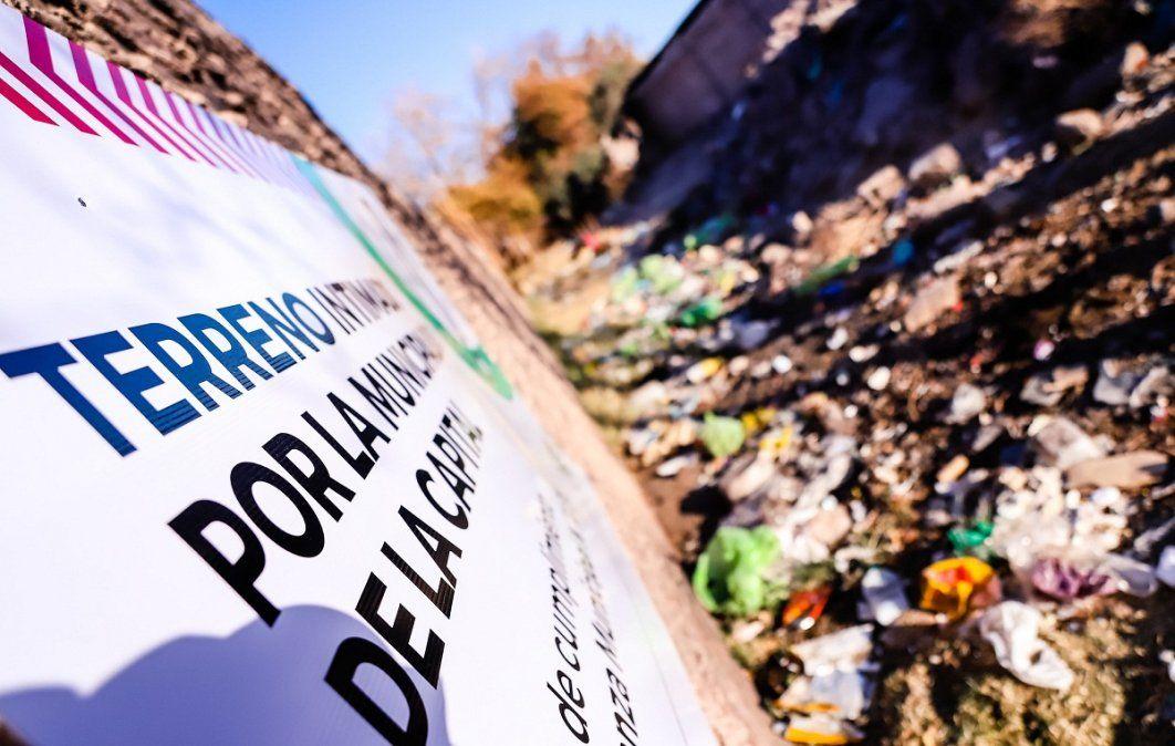 Inician tareas de saneamiento de lotes baldíos en Gran San Juan