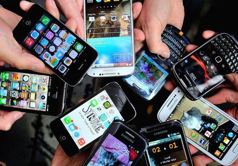 Gracias a los teléfonos con internet la gente que va a comprar un producto sabe más que el vendedor