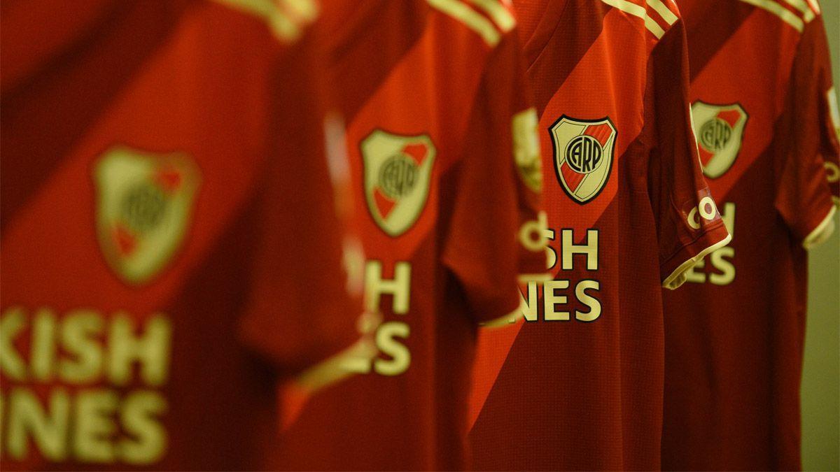 River e Independiente ya juegan en el Monumental