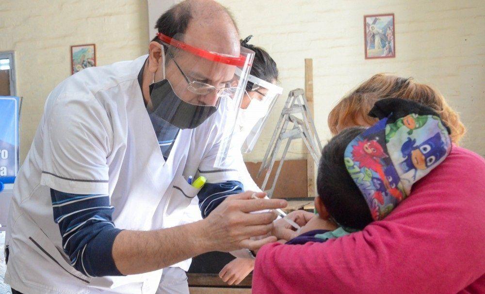 Inmunizar durante largas horas y mantener las dosis a una temperatura de -70ºC