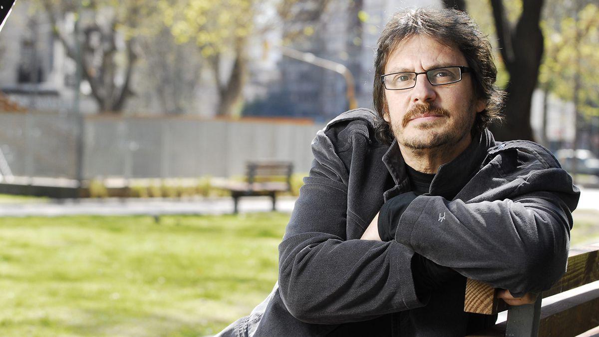 Felipe Pigna: Extraño el mano a mano, el calor humano