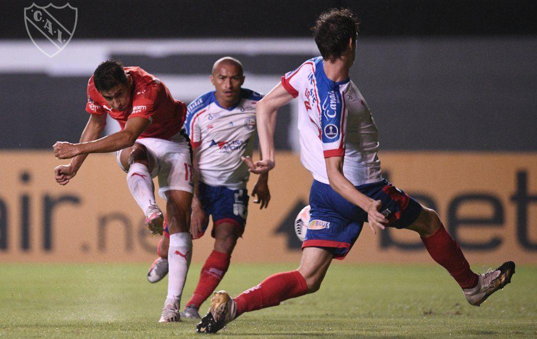 Independiente rescató un punto en Brasil y manda en su zona