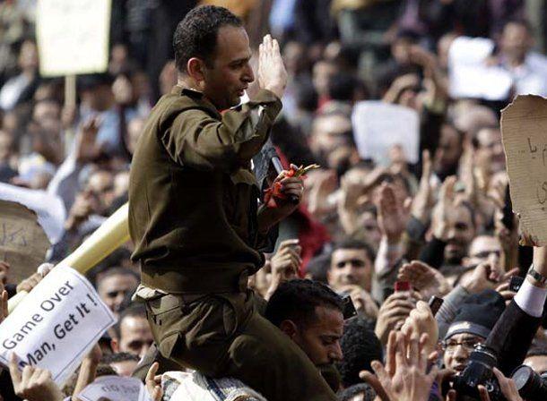Miles de egipcios salieron la calle y se concentran para la multitudinaria marcha contra Mubarak