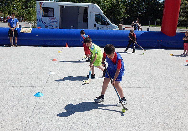 El Mundial también acerca el hockey a los más pequeños en el Vendéspace