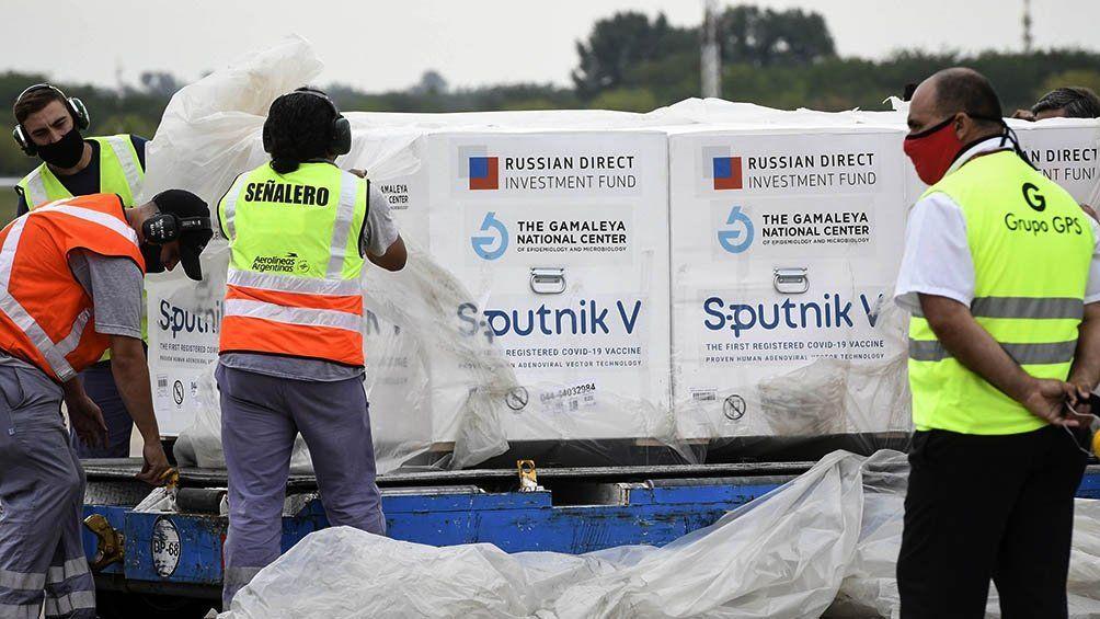 Aterrizó en Moscú el décimo vuelo de Aerolíneas que traerá vacunas a la Argentina