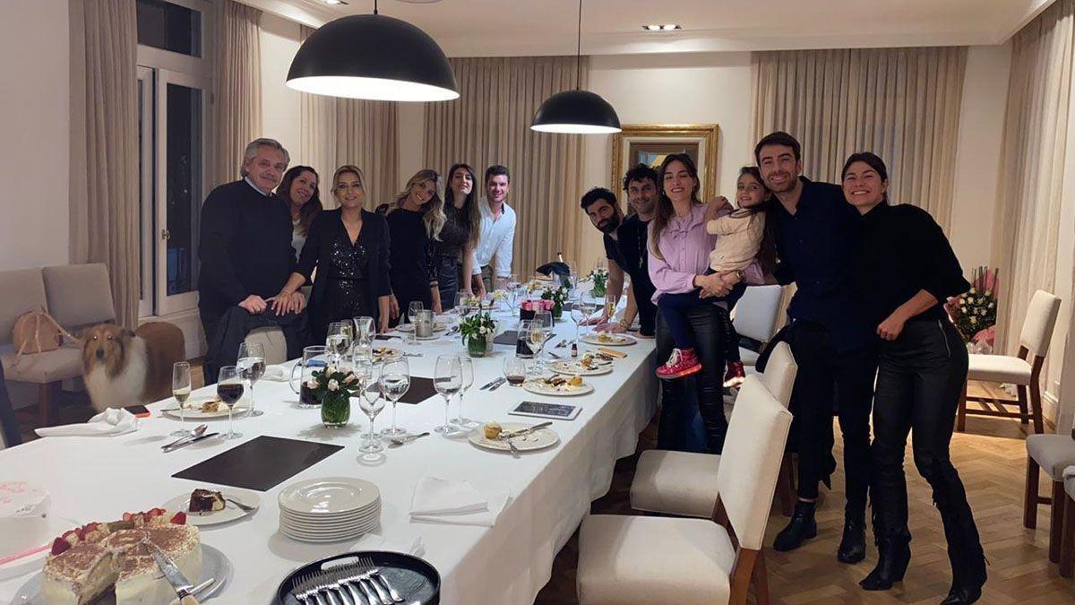 Fabiola Yañez y siete invitados a su cumpleaños se presentaron ante la Justicia