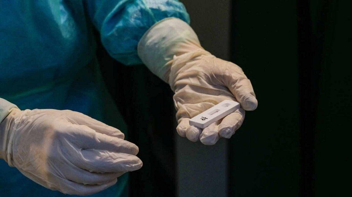 La cifra de contagios no cesa: 27.001 nuevos casos de COVID-19