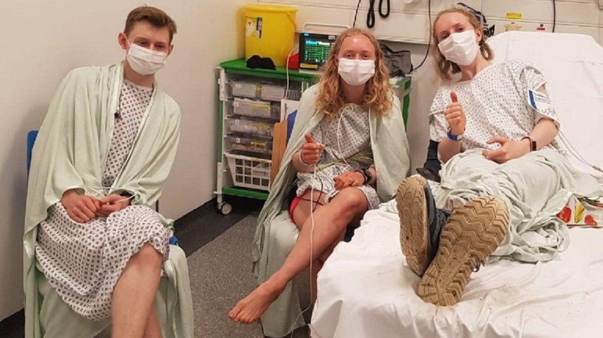 Tres hermanos se sacaron una foto en el momento exacto en que cayó un rayo.