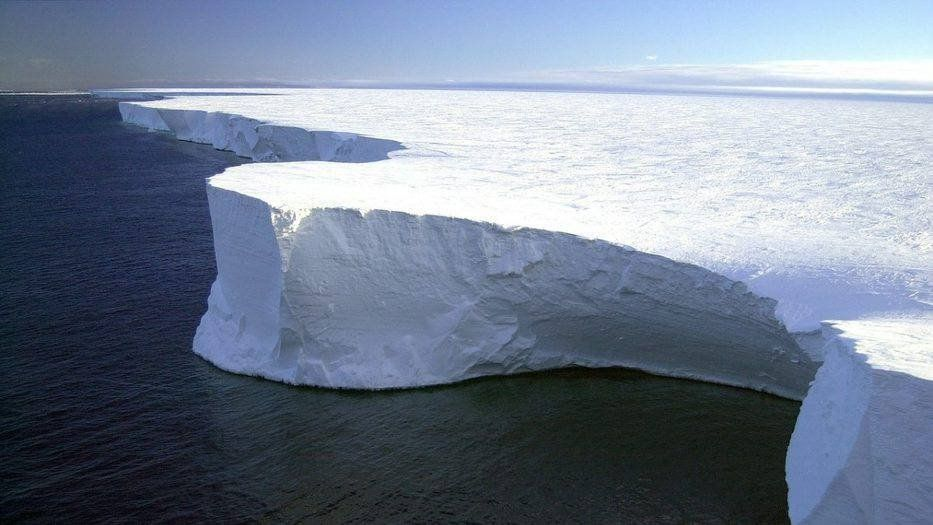 El iceberg más grande del mundo va camino a chocar contra Georgia del Sur