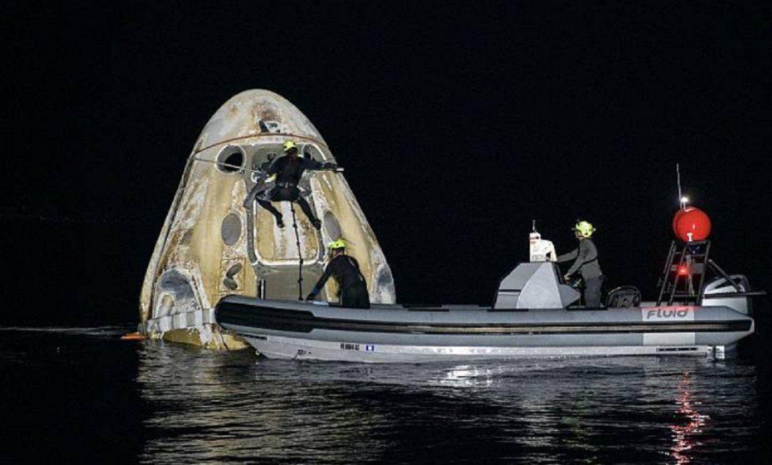 Regresó a la Tierra la nave de SpaceX con cuatro astronautas