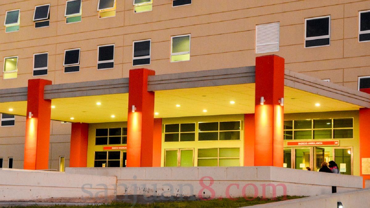 Una persona internada en el Hospital Rawson murió por COVID-19. Foto: Adrián Carrizo.