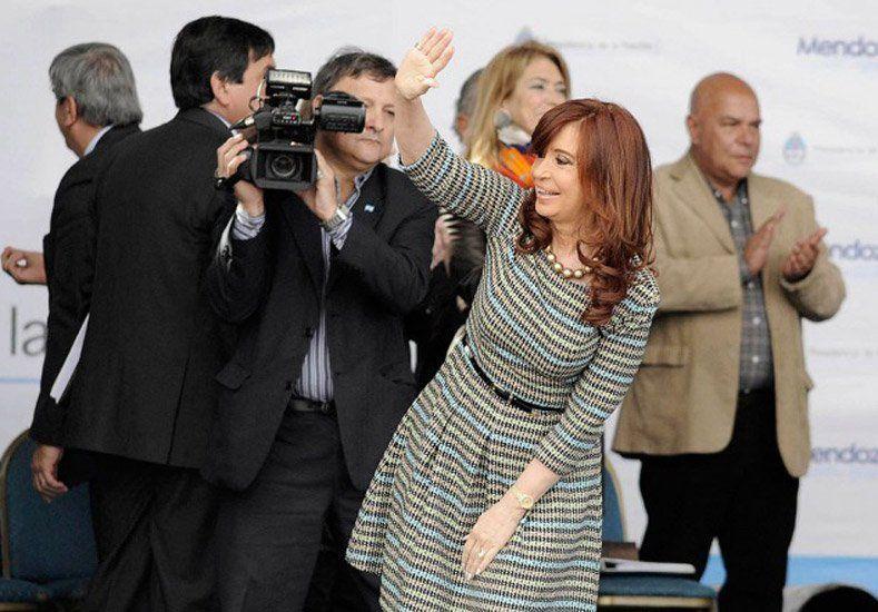 Cristina llegó al país y encabezará un acto en la ex Esma