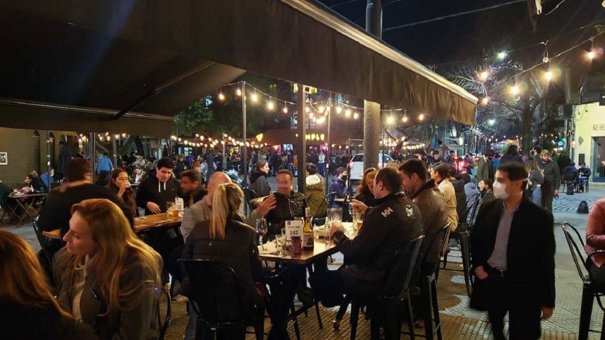 AMBA: dispusieron limitaciones más duras para los bares y restaurantes