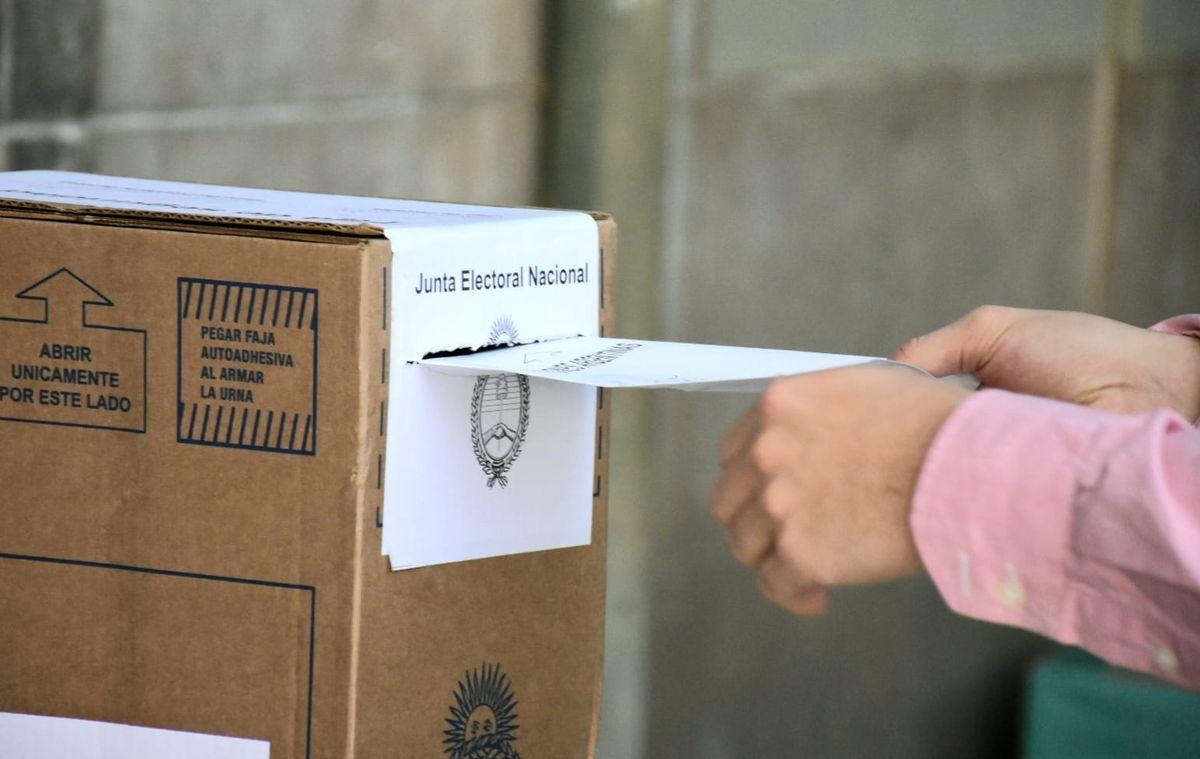 El 98% de los presidentes de mesa se hizo cargo de las urnas
