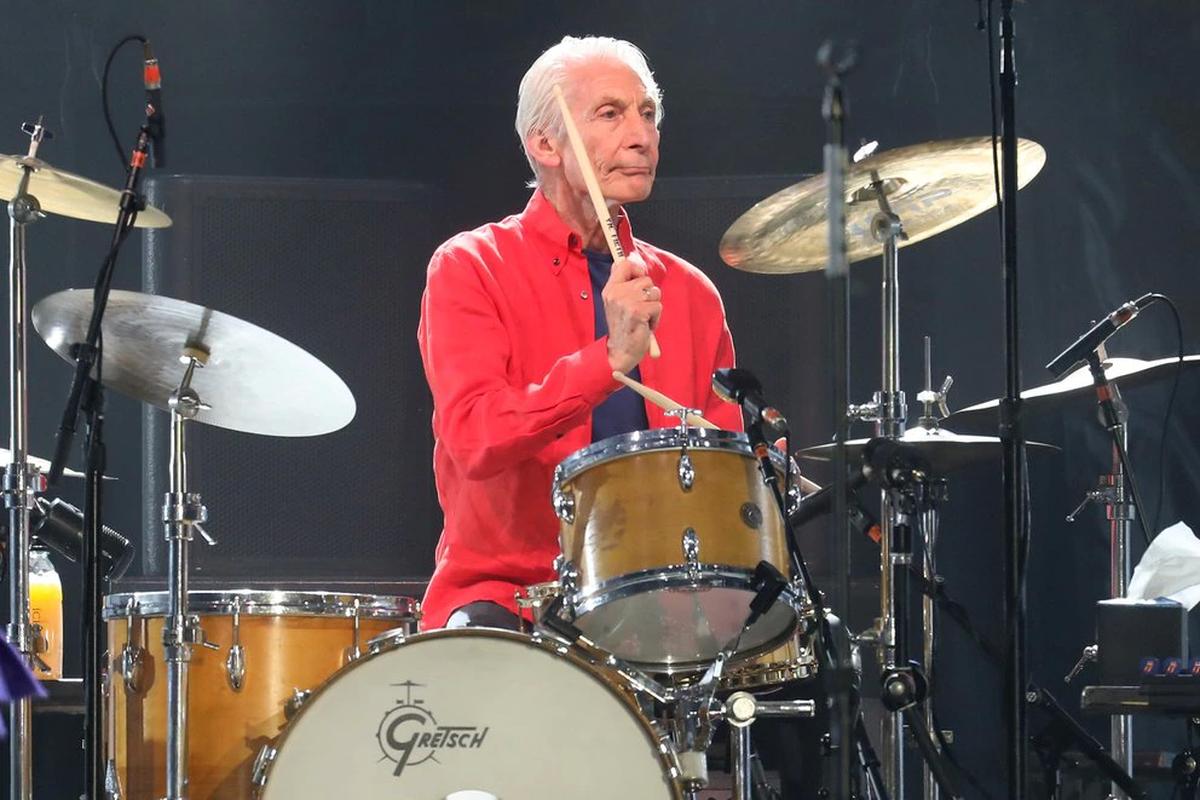 A los 80 años murió Charlie Watts, el baterista de Rolling Stones