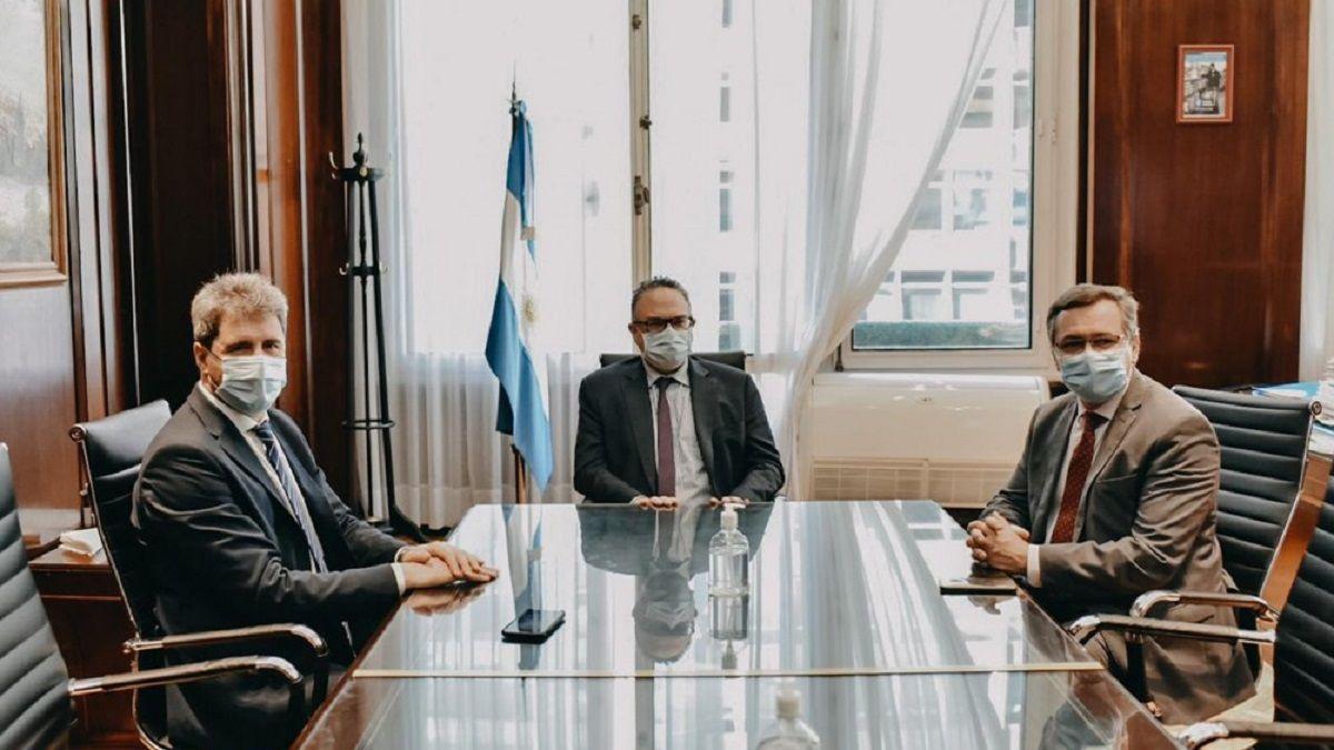 El gobernador Sergio Uñac junto a Matías Kulfas y Alberto Hensel.