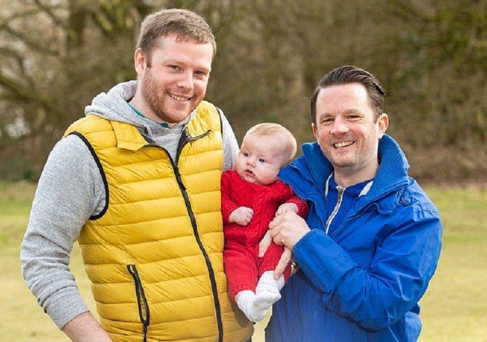 La pareja buscaban ser padres y decidieron pedirle prestado el vientre a la hermana de uno de ellos.