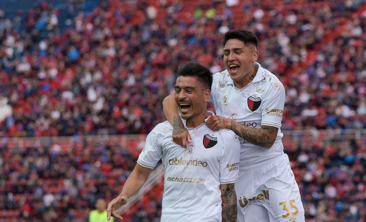 Colón derrotó a San Lorenzo en el nuevo Gasómetro