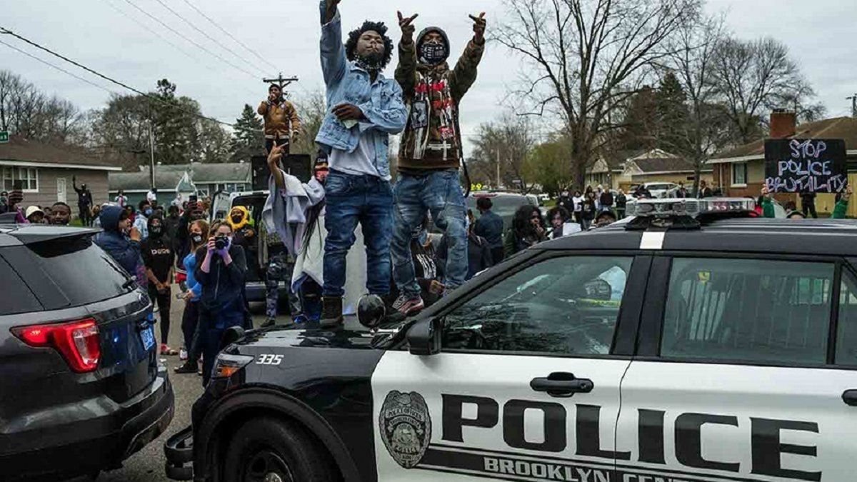 Protestas en Estados Unidos por la muerte de un hombre en un caso similar al de George Floyd.