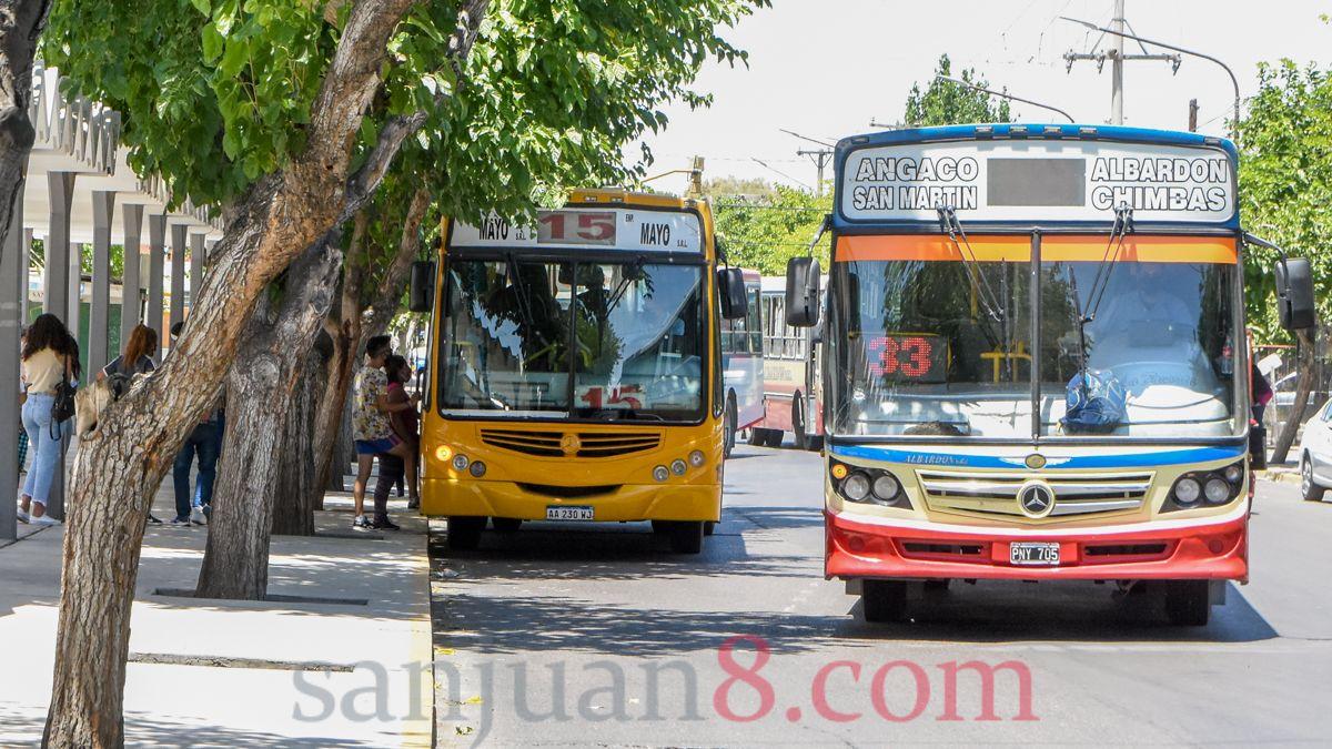 Este sábado se reanuda el servicio de colectivos en San Juan.