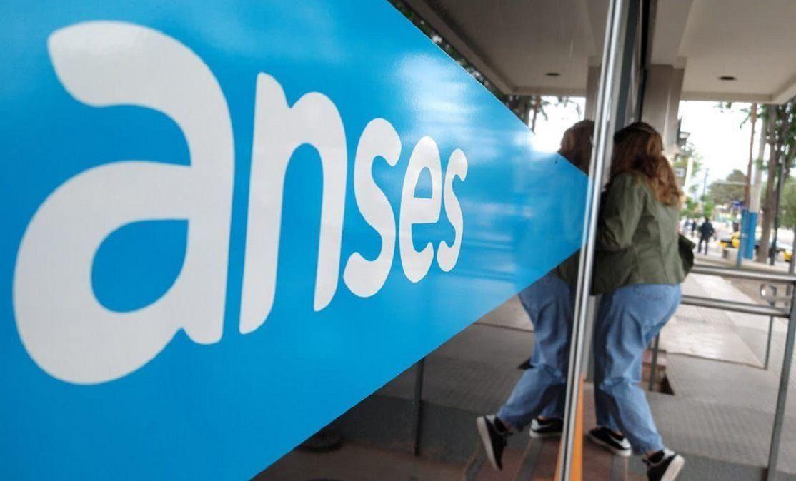 Este lunes comienza el pago del nuevo bono de $15 mil de la Anses