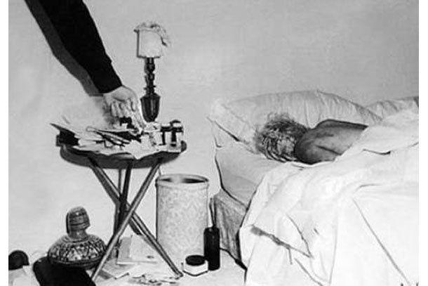Difundieron una foto inédita de la muerte de Marilyn Monroe y habló el forense que la analizó