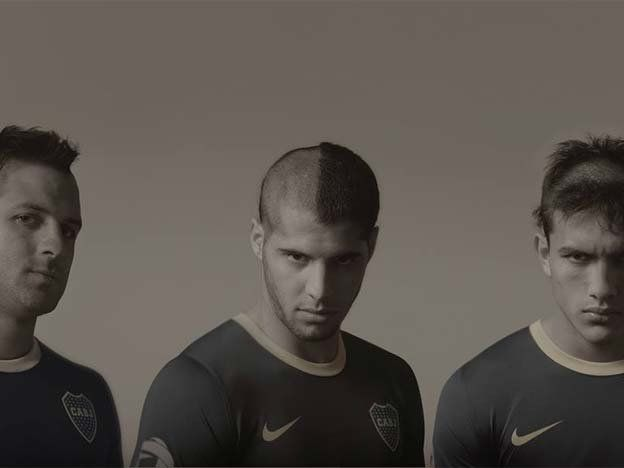 Para los jugadores de fútbol, marche un peluquero