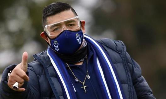 Maradona se podrá ir de alta entre mañana y pasado, anunció su médico personal