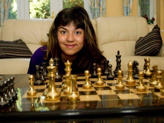 Una niña de 11 años es más inteligente que Einstein