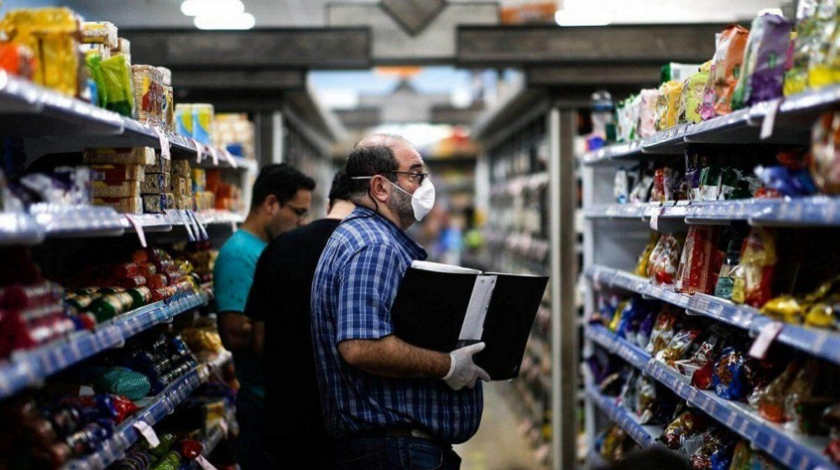 Ventas en supermercados cayeron 2