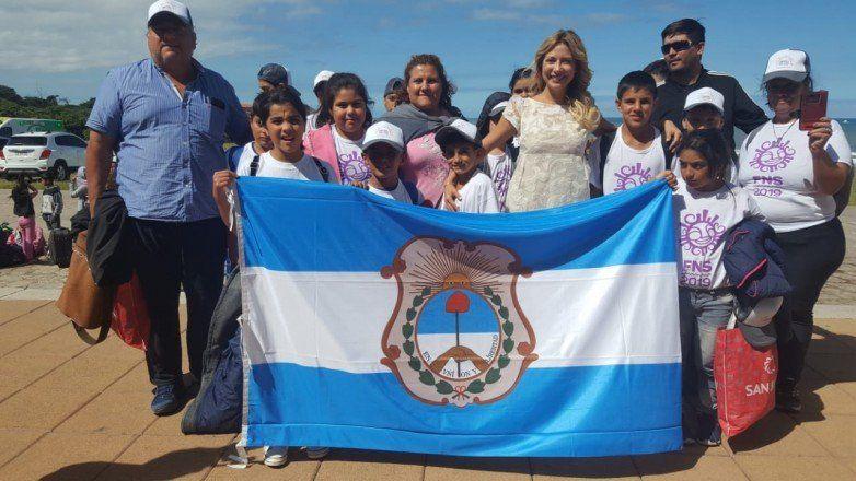 Junto a la primera dama, los niños del Valle conocieron el mar