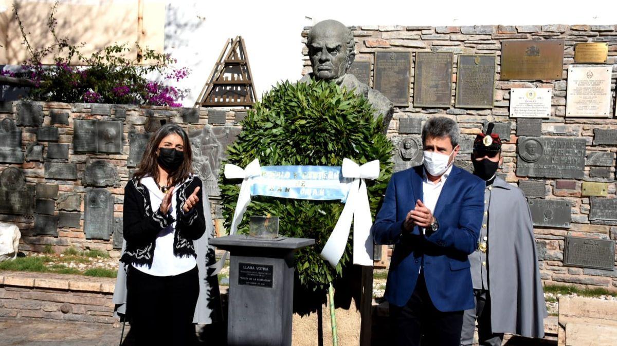 Acto por el Día del Maestro en homenaje a Domingo Faustino Sarmiento.