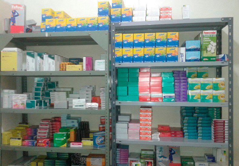 En Capital la policía halló gran cantidad de medicamentos que se vendían a pesar de estar vencidos