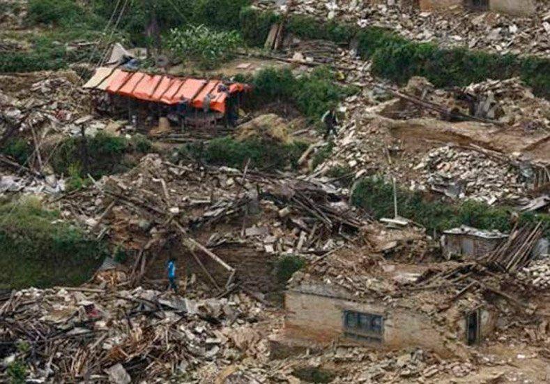 Hay al menos 21 muertos por deslizamientos de tierra en la golpeada Nepal