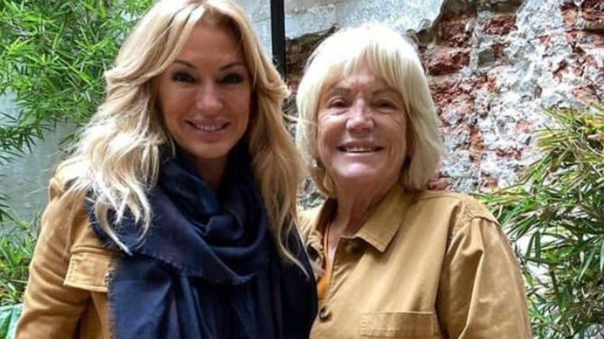 Yanina Latorre junto a su mamá