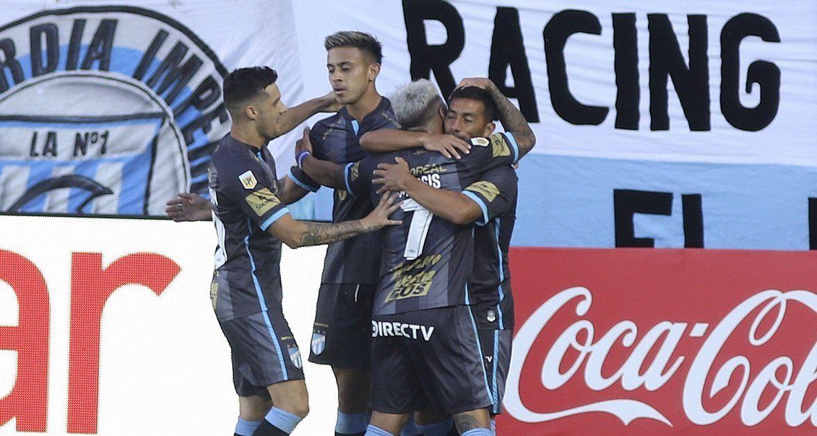 Atlético Tucumán sorprendió a Racing y lo goleó en Avellaneda