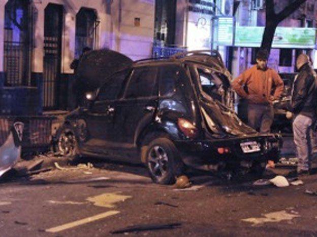 Choque múltiple entre un taxi y un Renault Fluence dejó un muerto