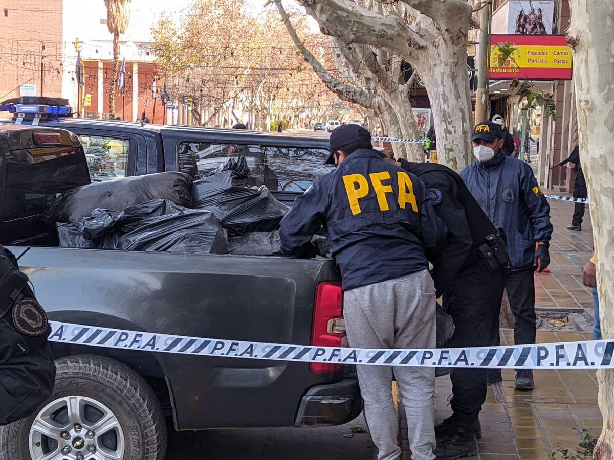 En un importante operativo llegaron los 800 kilos de marihuana secuestrados