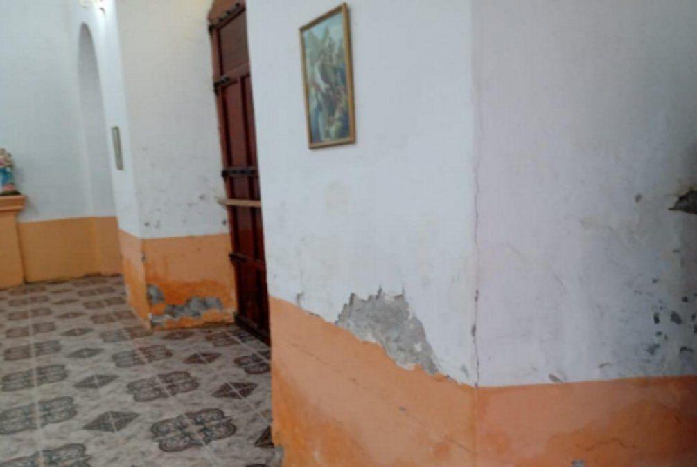 Por el estado del edificio inhabilitaron el templo de Villa Mercedes