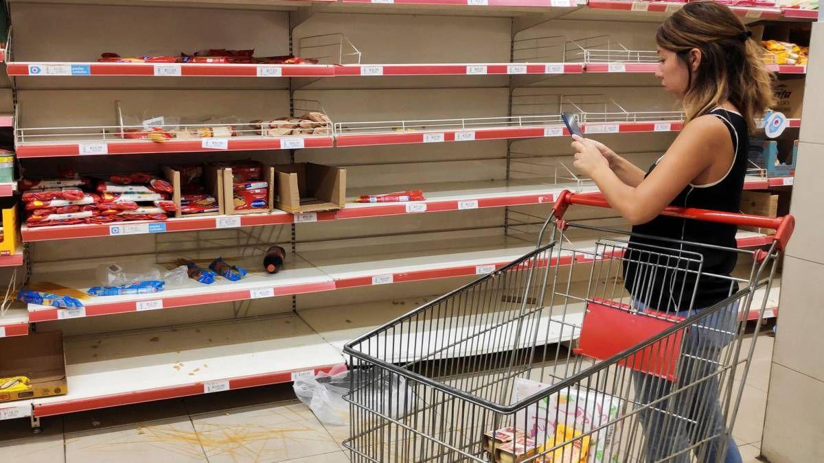 Según el INDEC, las ventas en los supermercados bajaron en febrero