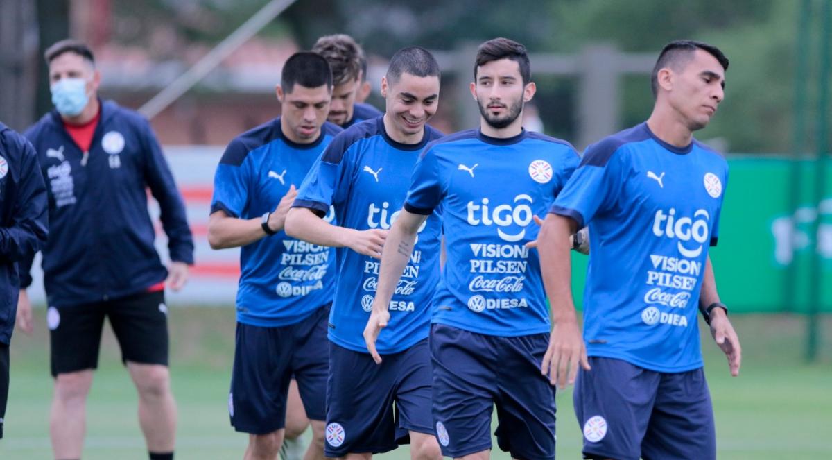 Paraguay tendrá un equipo con muchas caras conocidas del fútbol argentino