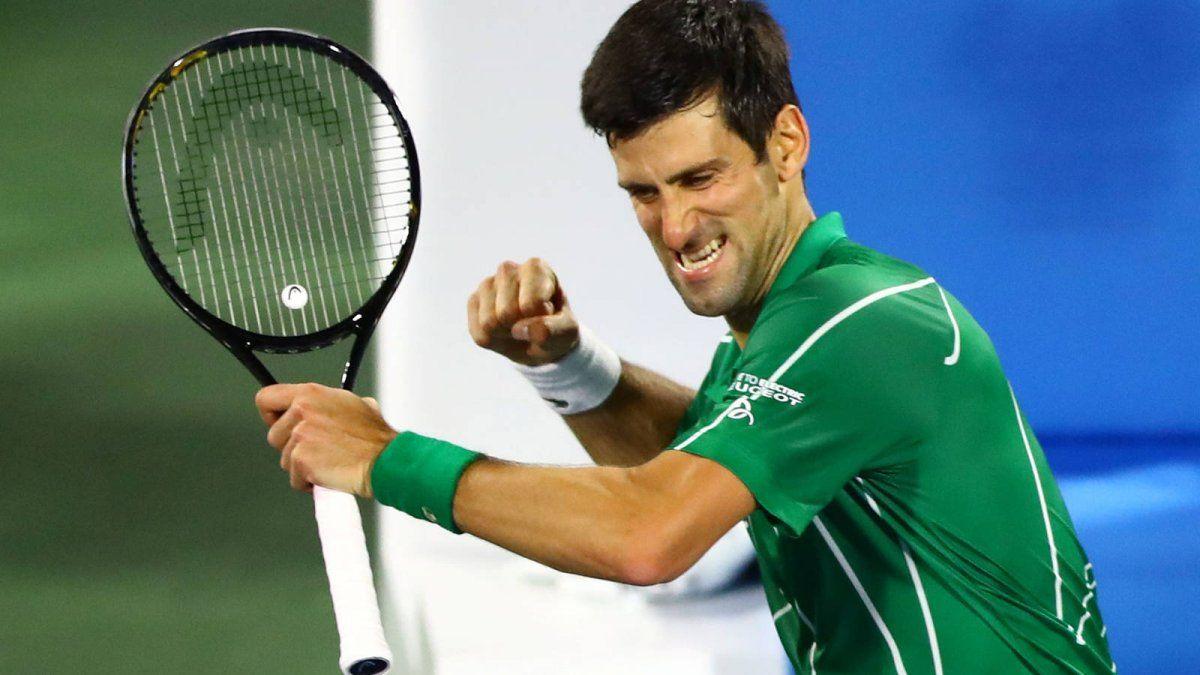 Djokovic ganó y avanzó a cuartos de final en Australia
