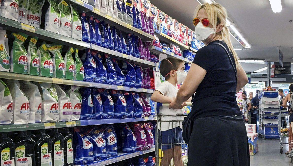 Preocupación por el brote de contagios en un supermercado