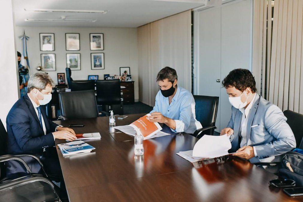Uñac se reunió con Kulfas y Lammens para acordar los próximos pasos en materia de turismo y deporte