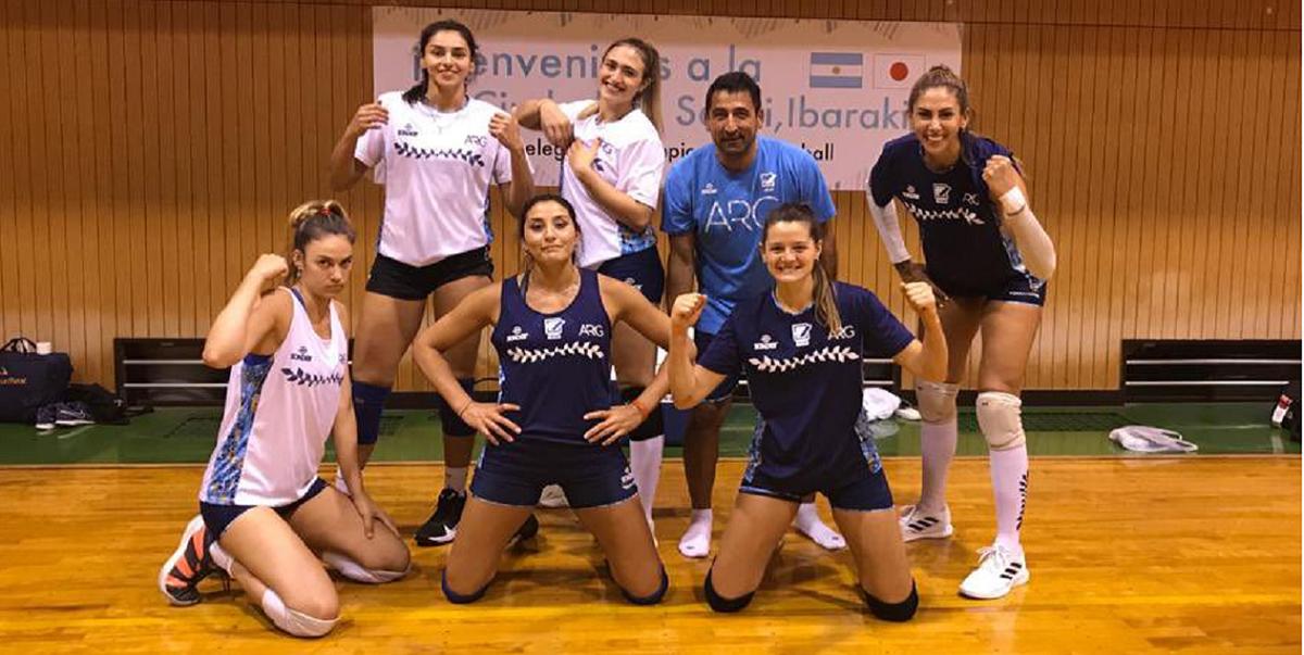 Vóley: Candelaria Herrera y las Panteras llegaron a Japón