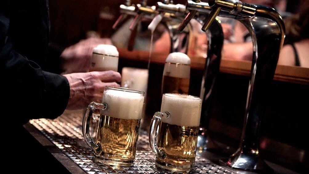 El Estado que regala cerveza a quienes se vacunen
