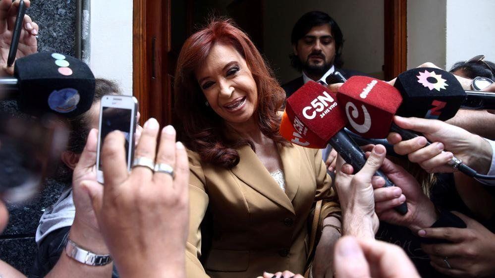 Cristina Kirchner pidió una nueva prórroga y alertó que si la traen con la Policía será privación ilegal de la libertad